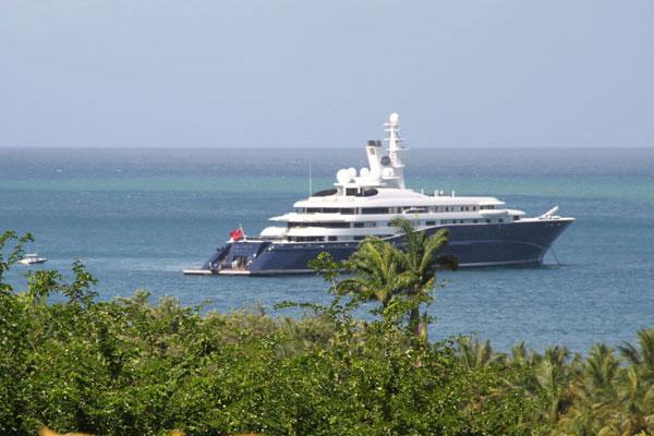 location-fleurs-des-iles-bungalow-Guadeloupe-Bateau